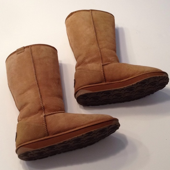 04e1e800b0a Emu Shoes | Moving Sale Australian Sheepskin Boots | Poshmark